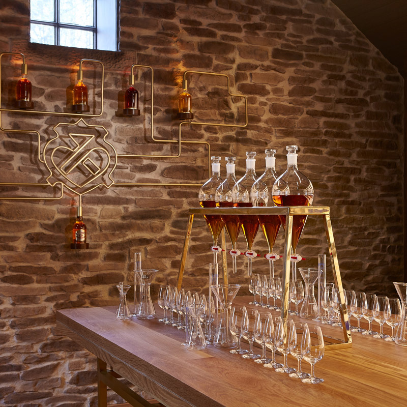 THE CHIVAS BLENDING EXPERIENCE